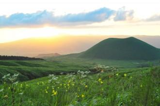 米塚と夕日
